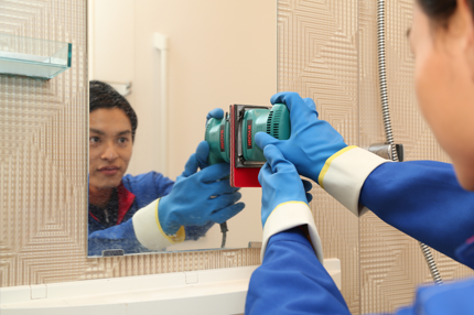鏡の水アカ除去クリーニング&コーティング仕上げ